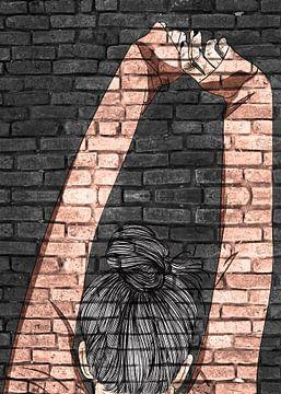 Junge Frau Graffiti auf schwarzer Mauer von KalliDesignShop