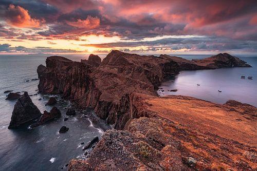 Hades Morgenröte (Ponta de São Lourenço / Madeira) von Dirk Wiemer