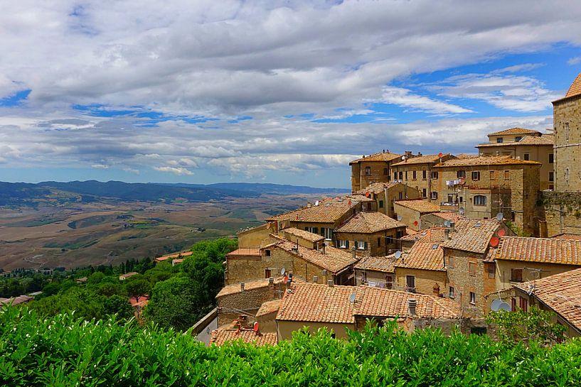 Volterra rooftops van Harry Hadders