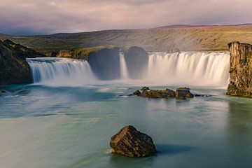 Waterval de Godafoss, IJsland van Henk Meijer Photography