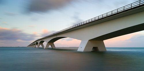 Zeelandbrug bij vloed van Jan Jongejan