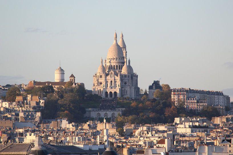 Uitzicht op de Sacré Coeur, Parijs van Remco Phillipson