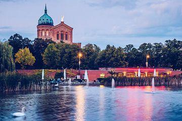Berlin – Engelbecken Pond / St. Michael's Church sur Alexander Voss