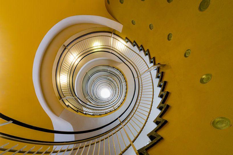 Gele wenteltrap van Maerten Prins