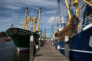 Visserschepen in de haven van Sander Meijering