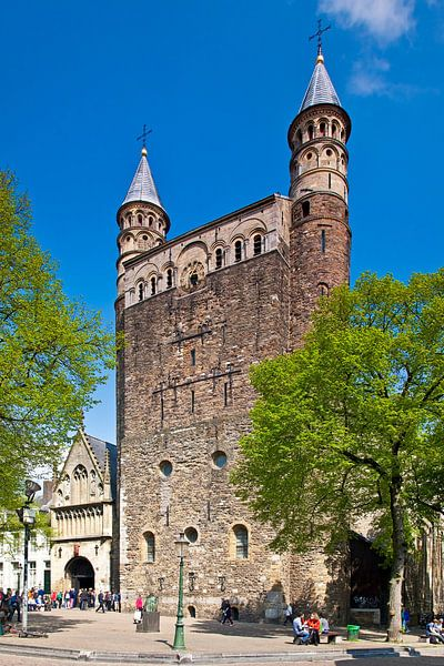 Onze Lieve Vrouwebasiliek te Maastricht van Anton de Zeeuw