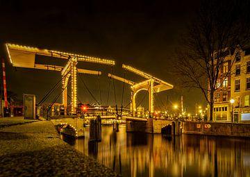 Oude Brug in Amsterdam van Sandra Kuijpers