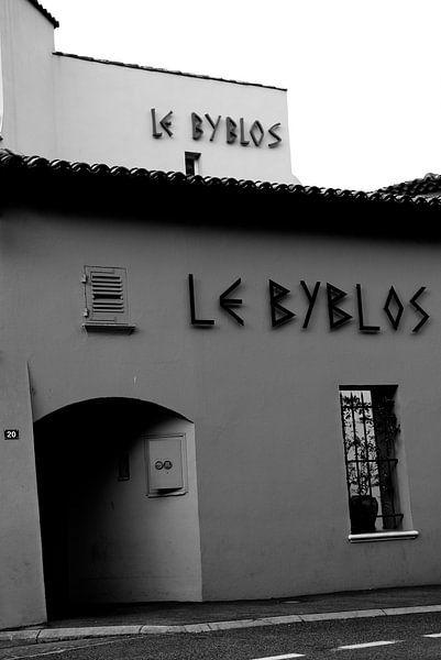 Hotel Le Byblos Saint-Tropez van Tom Vandenhende