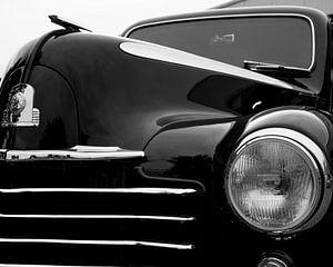Deels de voorzijde van een Vauxhall antieke auto