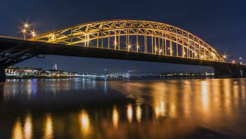 Nijmegen Waalbrug 16x9 van Julien Beyrath