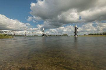 Meerpalen met steiger bij Eiland van Maurik van Moetwil en van Dijk - Fotografie