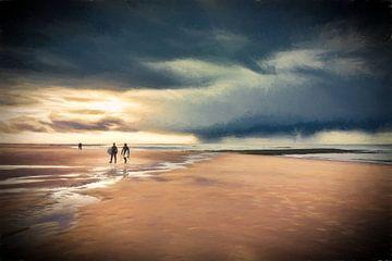 Surfers am Strand von eric van der eijk