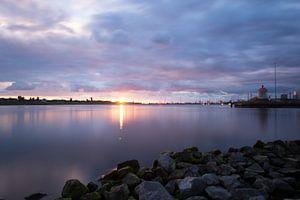 Zonsondergang aan IJmuiden-Velsen