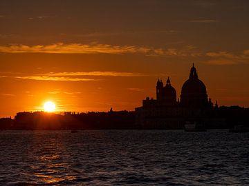 Zonsondergang in Venetië van Andreas Müller