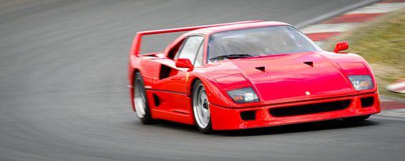 Ferrari F40 1980s sportwagen op het circuit