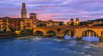 Ponte-Pietra-Brücke, Verona, Italien von Henk Meijer Photography