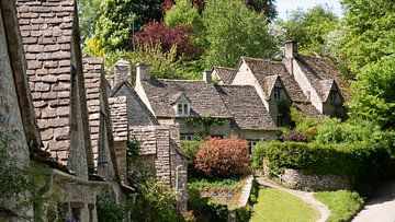 Häuser der Arlington Row im Dorf Bibury, England von Robin Jongerden