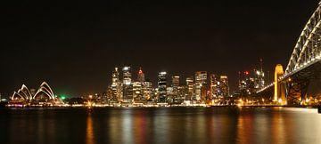 Sydney skyline by night van Tim Kolbrink