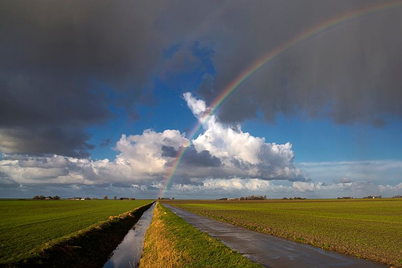 Regenboog-landschap van Fokje Otter