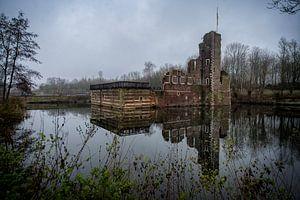 oud vervallen kasteel van Bas Quaedvlieg