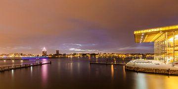 Le Muziekgebouw aan'T IJ à Amsterdam la nuit sur Werner Dieterich