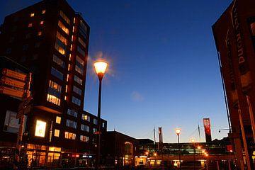 Centrum van Houten met station en gemeentehuis. van Margreet van Beusichem