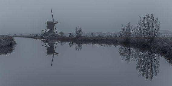 Kinderdijkse molens in zwart-wit - 1