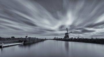 Wolken boven Kinderdijk van Amir Cengic