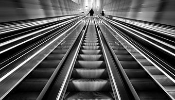 Rolltreppe Station Vijzelgracht von Toon van den Einde