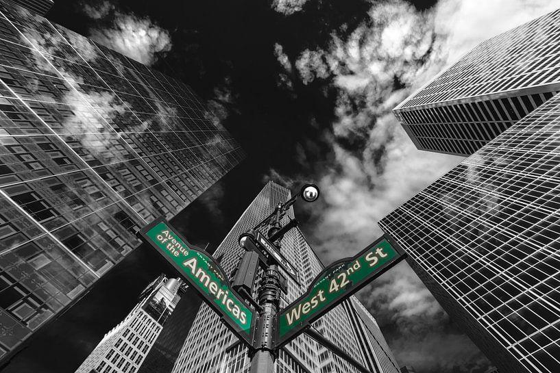 Wolkenkratzer an der 6 Avenue Ecke 42th in New York van Kurt Krause