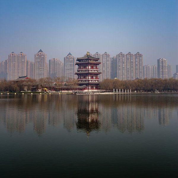 Chinese torens: oud versus nieuw van Thijs van den Broek