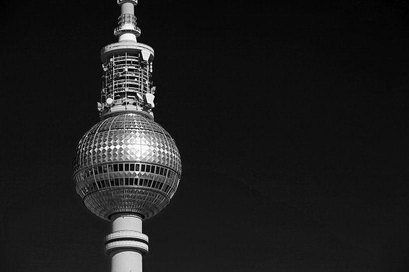 La tour de télévision de Berlin la nuit sur Frank Herrmann