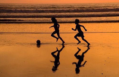 Voetbal op het strand van Stéphan Lam