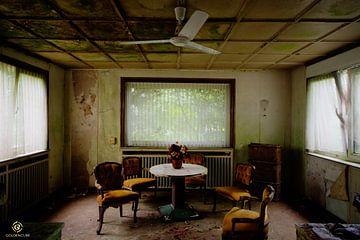 decay hotel
