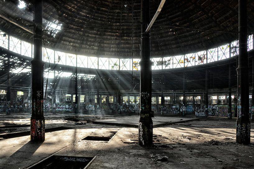 dead engine shed van Joachim G. Pinkawa
