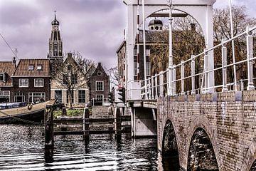 Enkhuizen brug met kerk. van