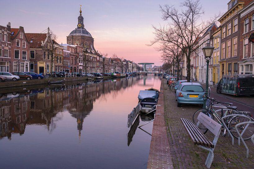 Zicht op de Marekerk, Leiden van Martijn van der Nat