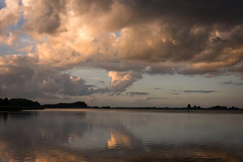 Painting the Sky van Trudy van der Werf