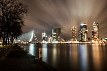Rotterdam avondfoto van Ton de Koning
