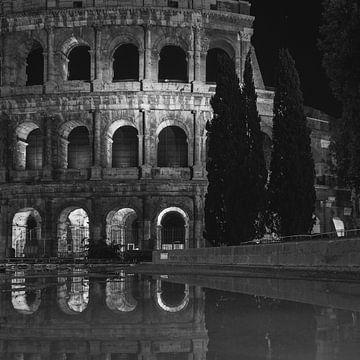 Italien im Quadrat schwarz-weiß, Rom - Kolosseum von Teun Ruijters