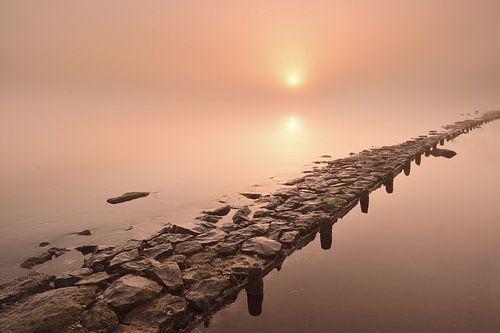 Zonsopkomst langs het IJsselmeer van John Leeninga