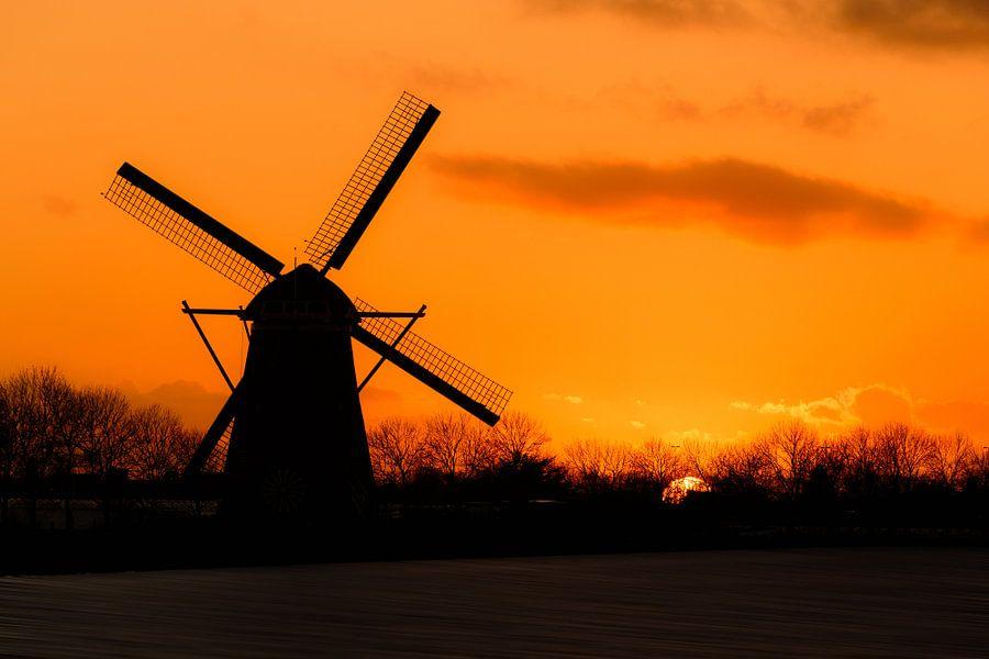 Zonsondergang molen Oude Wetering