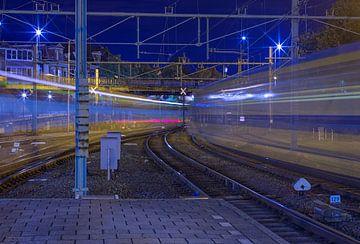Lichtspur von Zügen (Eisenbahn) von Marcel Kerdijk