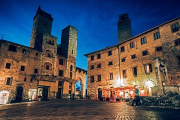 San Gimignano - Piazza della Cisterna van Alexander Voss