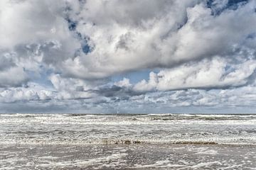 Wind, zon, zee en water in een dramatisch schouwspel van Fotografiecor .nl