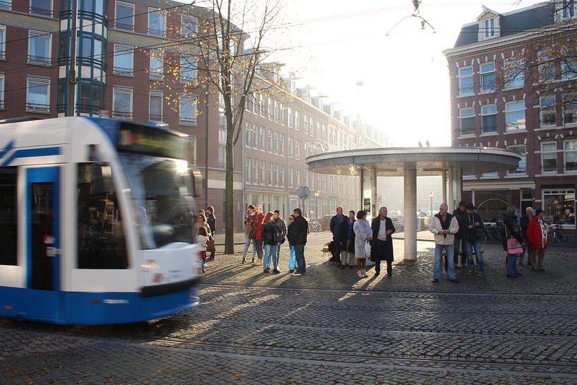 Tram 10 op het Van Limburg Stirumplein, Amsterdam van Philip Nijman