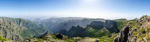 Uitzicht vanaf Pico do Arieiro van Bram van der Meer