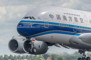 Take-off! Opstijgen van een Airbus A380 van China Southern Airlines vanaf de Polderbaan.