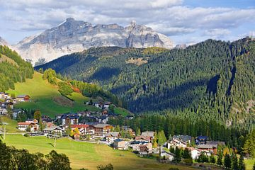 Bergidylle in Alta Badia von Gisela Scheffbuch