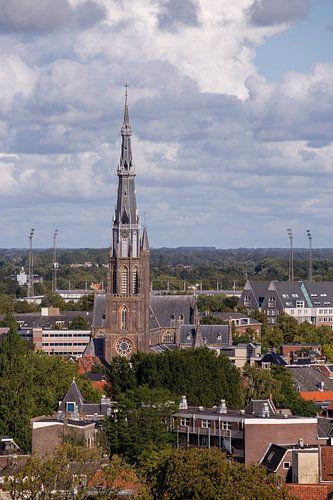 Sint-Bonifatiuskerk en Cambuurstadion